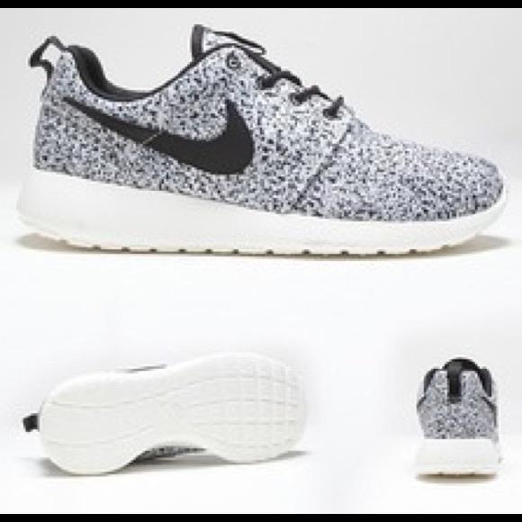 various colors 68b0a 0aab1 Men s Black white splatter Nike Roshe Run shoes 10.  M 5bd45cd8aaa5b81d42cc659e